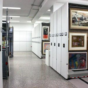 Electrical powered mobile art rack systems