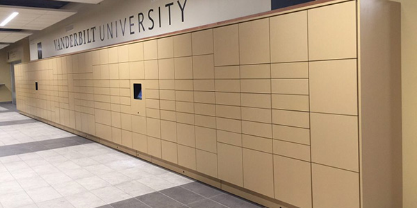 Smart lockers for parcel logistics