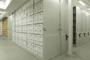 Mobile shelving for boxed evidence storage