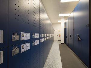 Flight crew lockers and mobile shelving